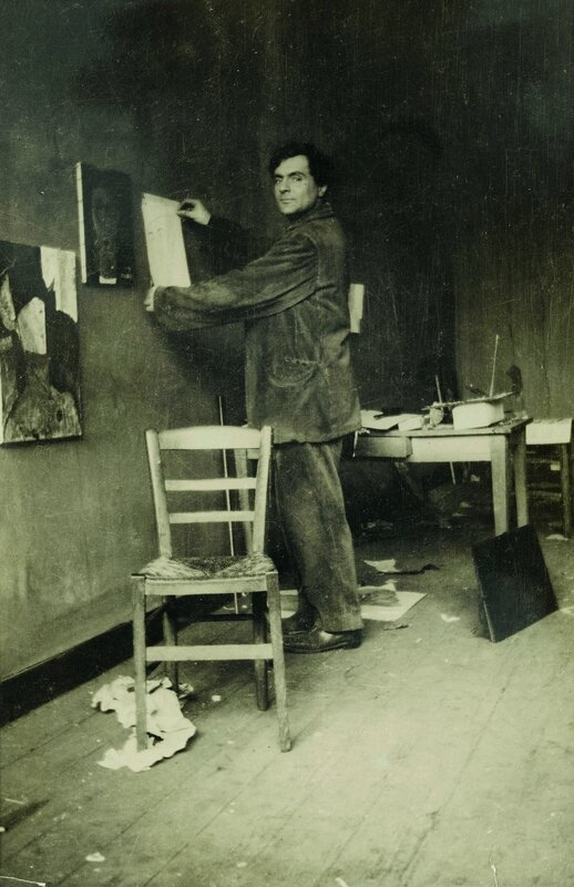Modigliani in his studio