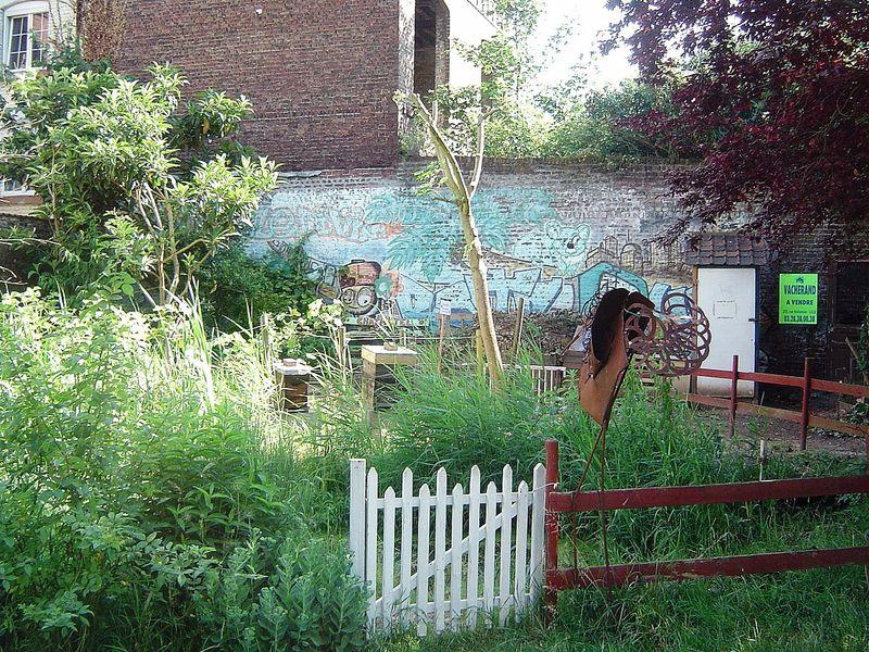 Le jardin des retrouvailles rue montesquieu lille for Le jardin d alix lille