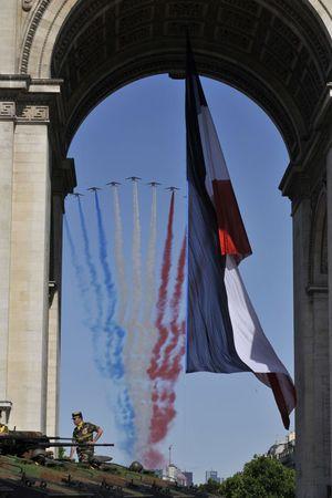 Defile_14_Juillet_et_Arc_de_Triomphe