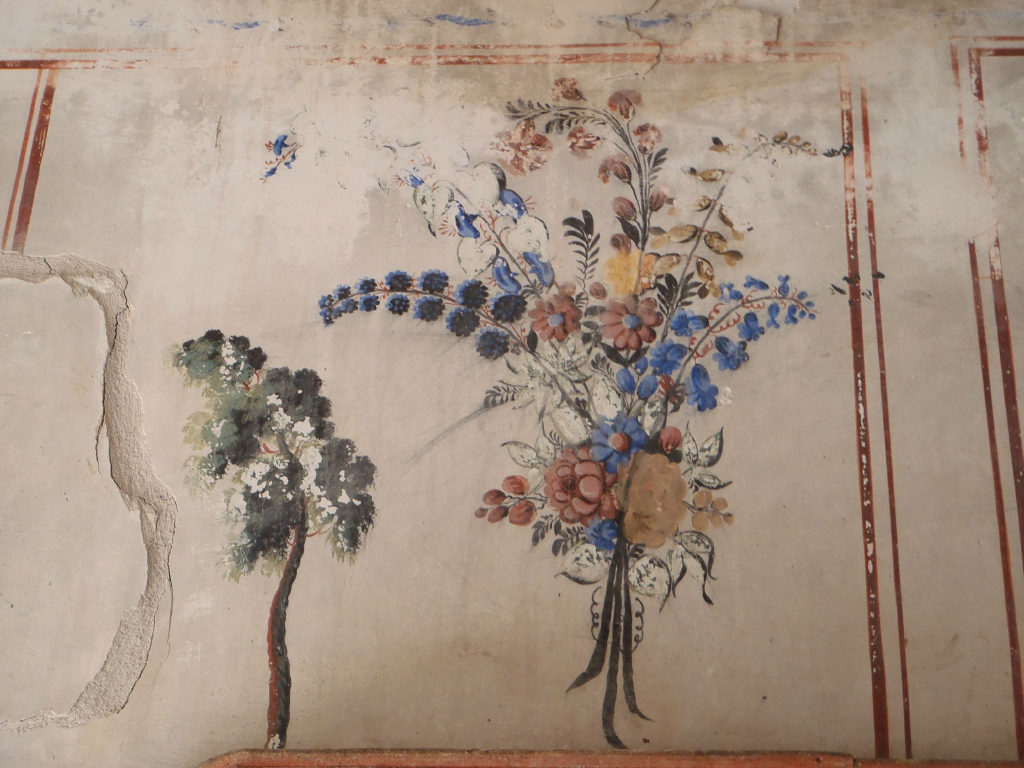 turquie cappadoce maison des voisins fresque peinte bouquet