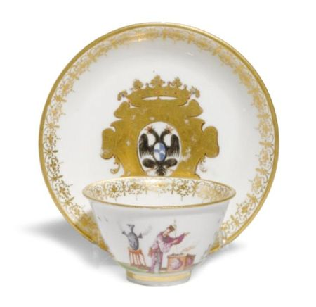 AN_EARLY_MEISSEN_ARMORIAL_TEABOWL_AND_SAUCER_FROM_THE_LEGGE