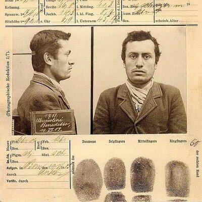 Foto segnaletica di Mussolini Benedetto redatta dalla polizia di Berna il 19 giugno 1903