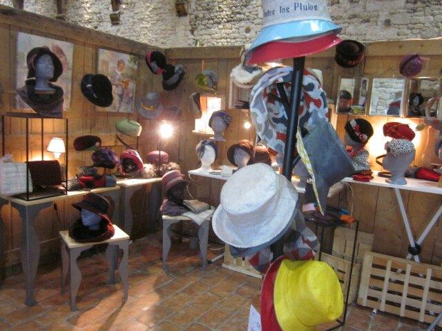 2015 - octobre - 30 (et 1er novembre) - Salon de la Création de Honfleur - Stand ATOUR DE TETES (2)