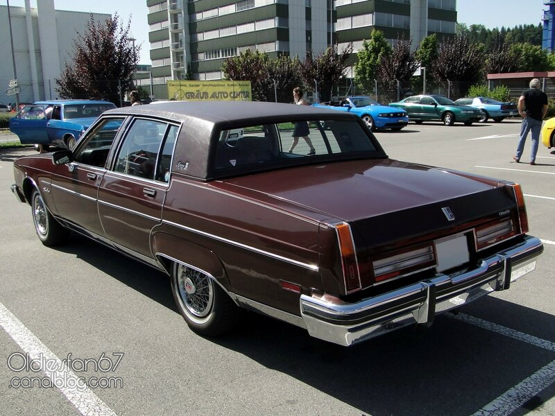 oldsmobile-98-regency-sedan-1983-02