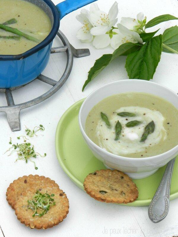 Velouté d'asperges et biscuits aux graines2