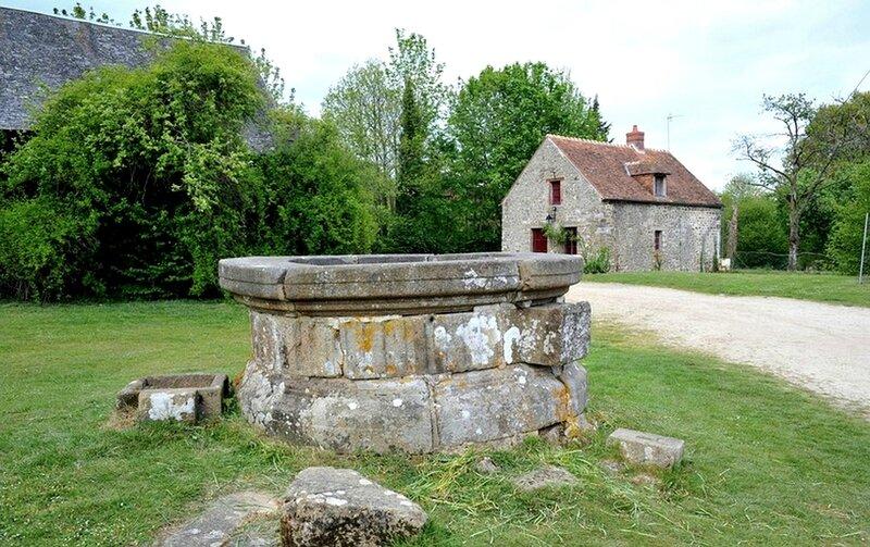 Le puits de l'ancien Château de Bonvouloir