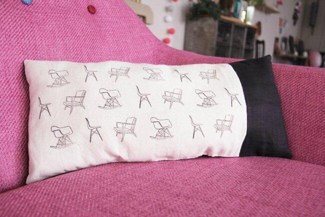 coussin motif chaises0