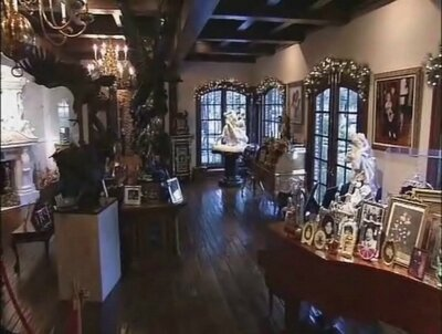 Inside-Neverland-michael-jackson-34442773-400-302