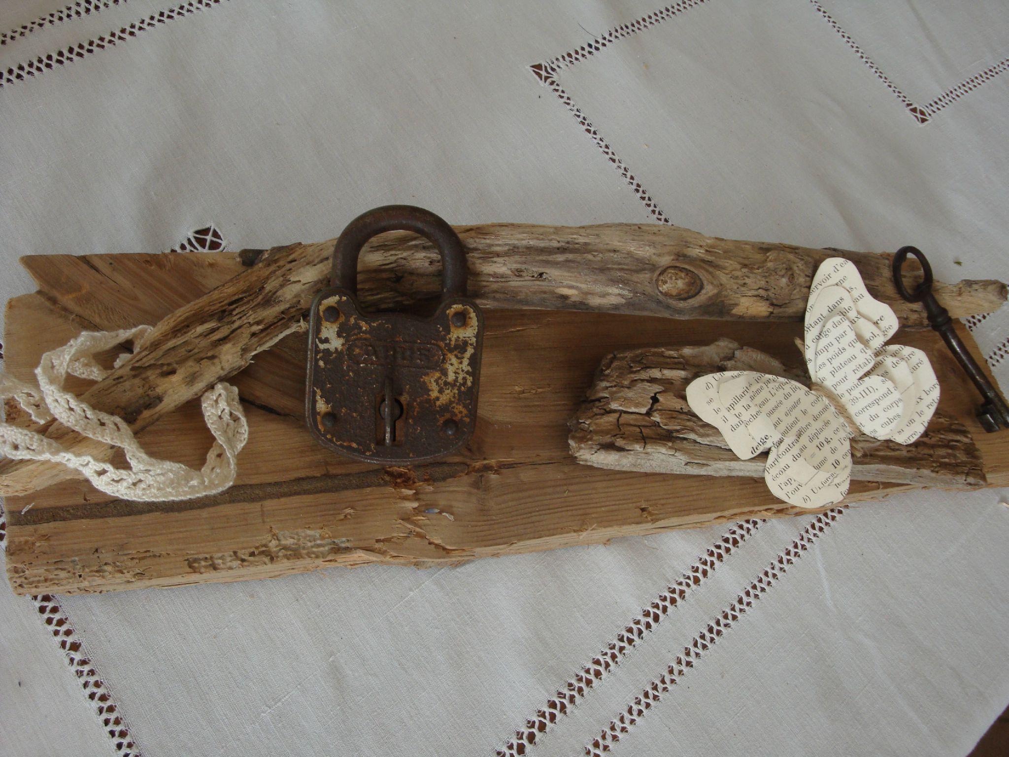 Mises en sc ne avec du bois flott r cup r cet t for Bouquet bois flotte