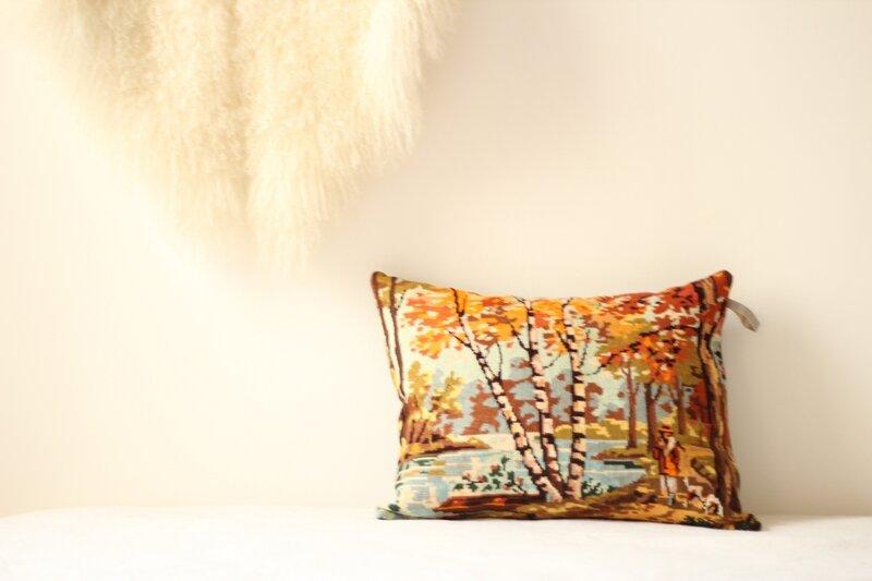 coussin tapisserie vintage paysage étang bouleaux TRENDY LITTLE 1