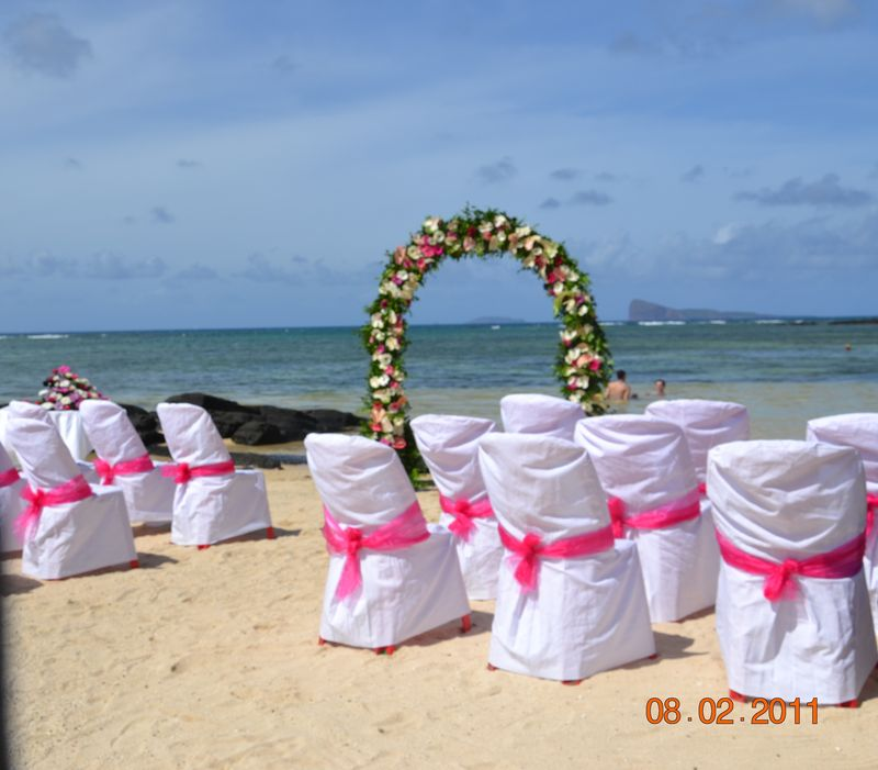 mariage sur la plage ile maurice. Black Bedroom Furniture Sets. Home Design Ideas