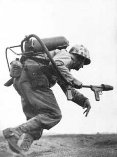 Flamethrower-iwo-jima-194502