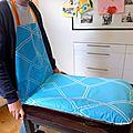 Housse de table à langer façon tablier pour bébé mec !
