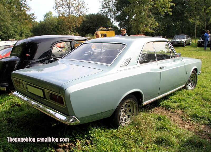 Ford 20M P7A coupé de 1967 (32ème Bourse d'échanges de Lipsheim) 02