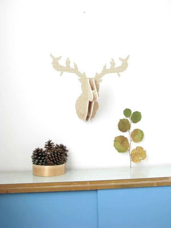 trophée cerf bois et tissu moutarde chezpiu 4