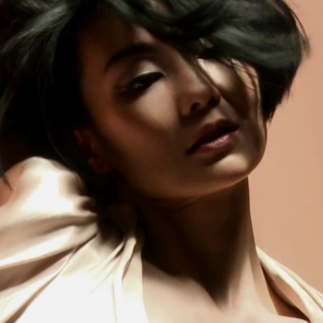 Maggie_Cheung_Nick_Knight_02