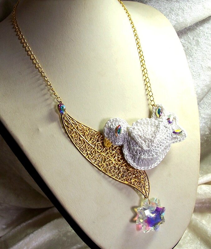 Collier Blanche Colombe 1