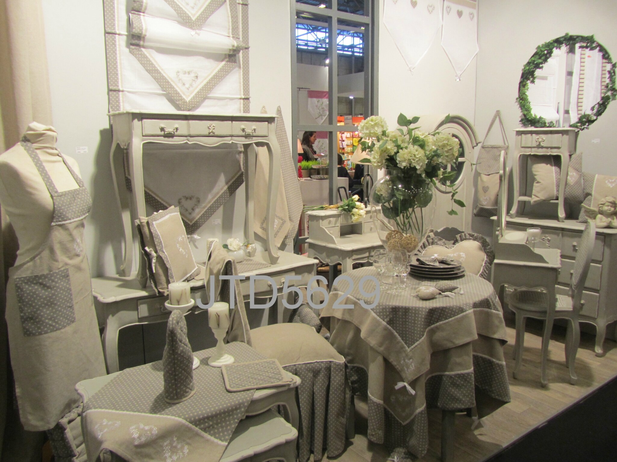 salon maison et objets 6 paris jeux tu encadres d co shabby. Black Bedroom Furniture Sets. Home Design Ideas