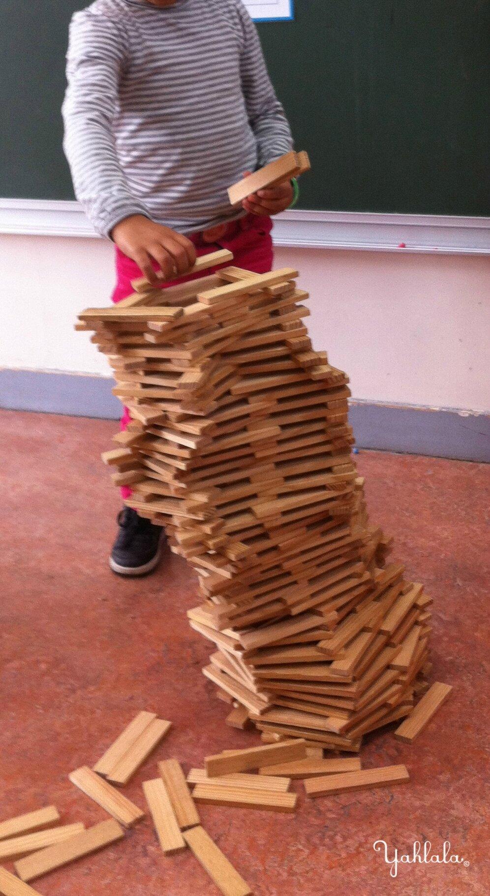 Projet architecture la maternelle enfants pas si sages for Construire une maison en kapla