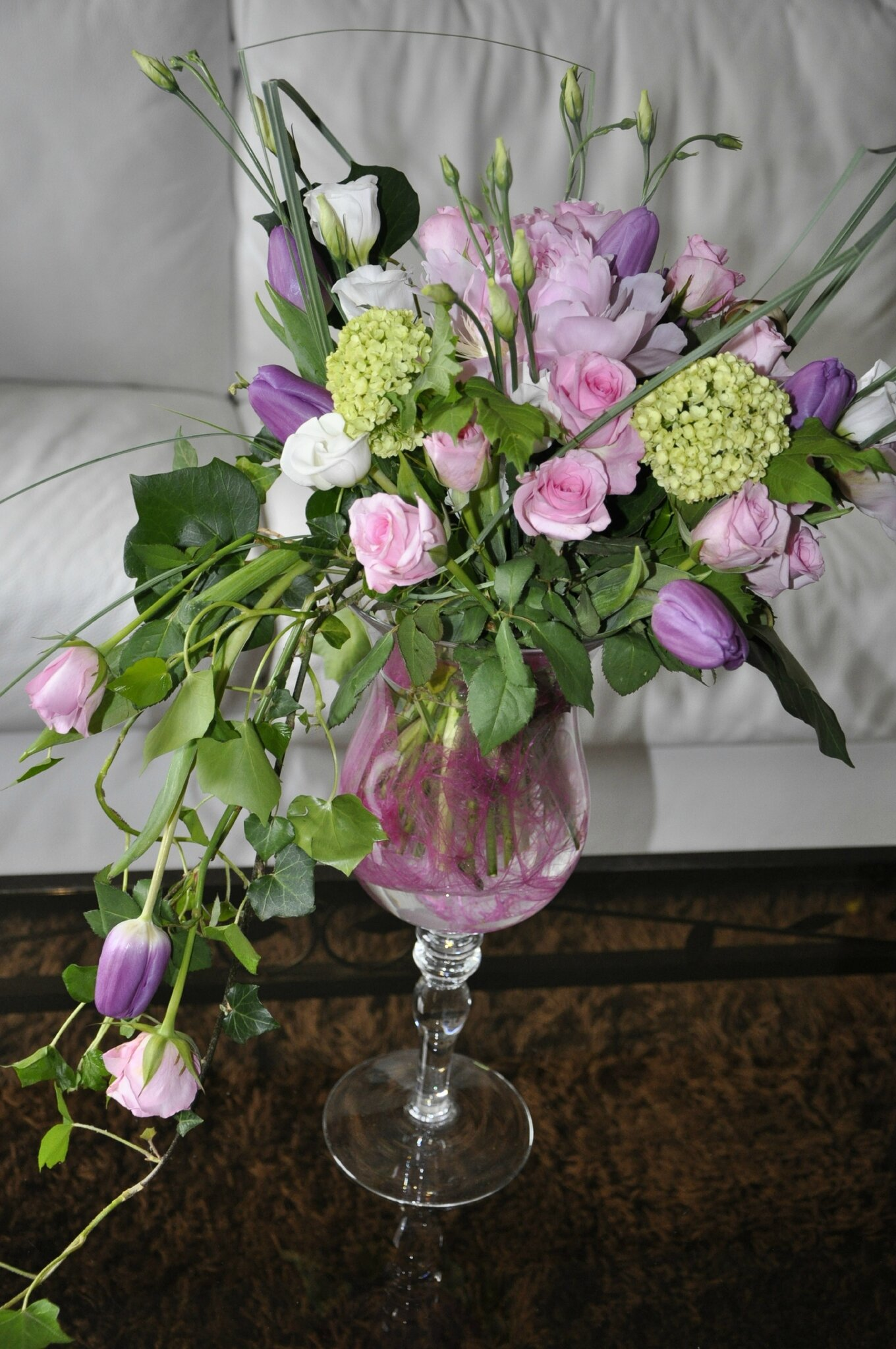 bouquet pivoine rose et tulipe photo de 1 mariage l 39 arum des sens. Black Bedroom Furniture Sets. Home Design Ideas