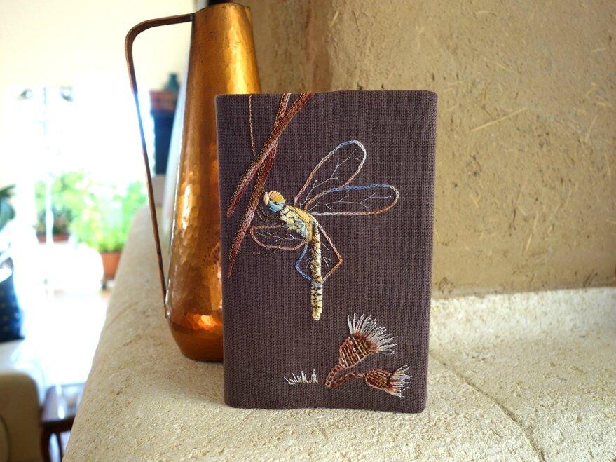 carnet ou répertoire à la libellule a