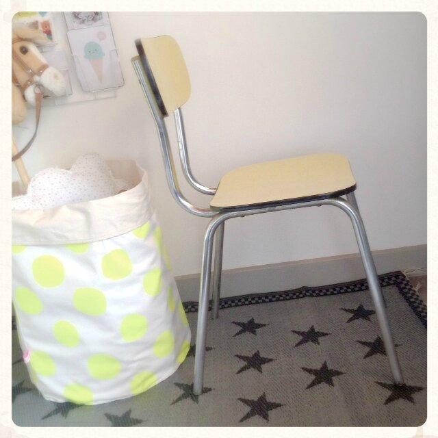 chaise-retro-vintage-formica-jaune-decotrendy-02