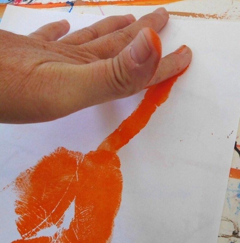 219_Afrique_Une girafe dans la main (32)