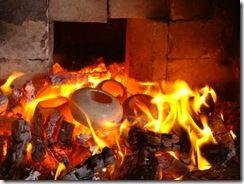 poteries poteries dans la braises