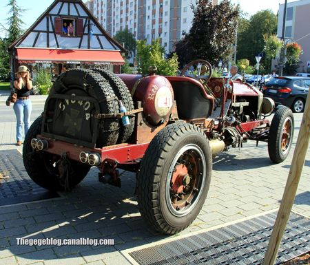 American La France red baron speedster de 1916 (Rallye de france 2011) 02