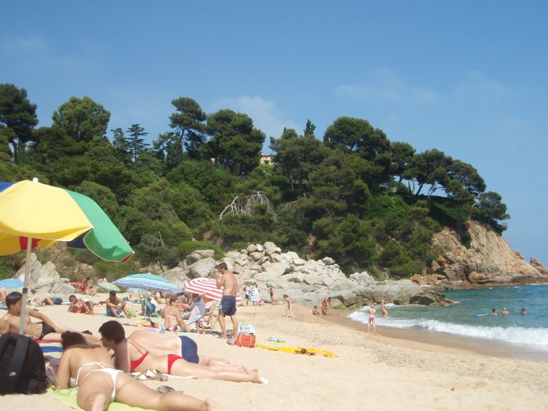 plage la boadella 7 photo de lloret de mar toutes les motions du monde. Black Bedroom Furniture Sets. Home Design Ideas