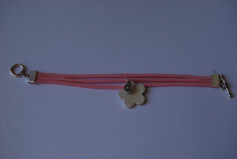 bracelet daim rose (dispo)