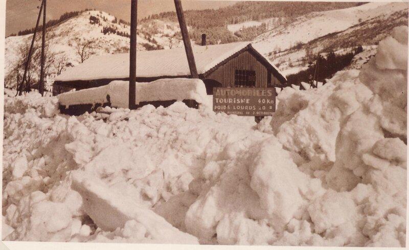 La gare sous la neige