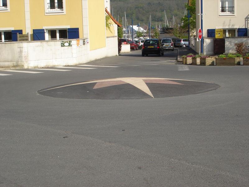 Le rond-point de l'Etoile, façon Port - Guillaume ...
