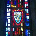 Vitrail de la chapelle, le blason de l'Anjou
