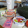Naans courgettes, tomates, fromage et bacon