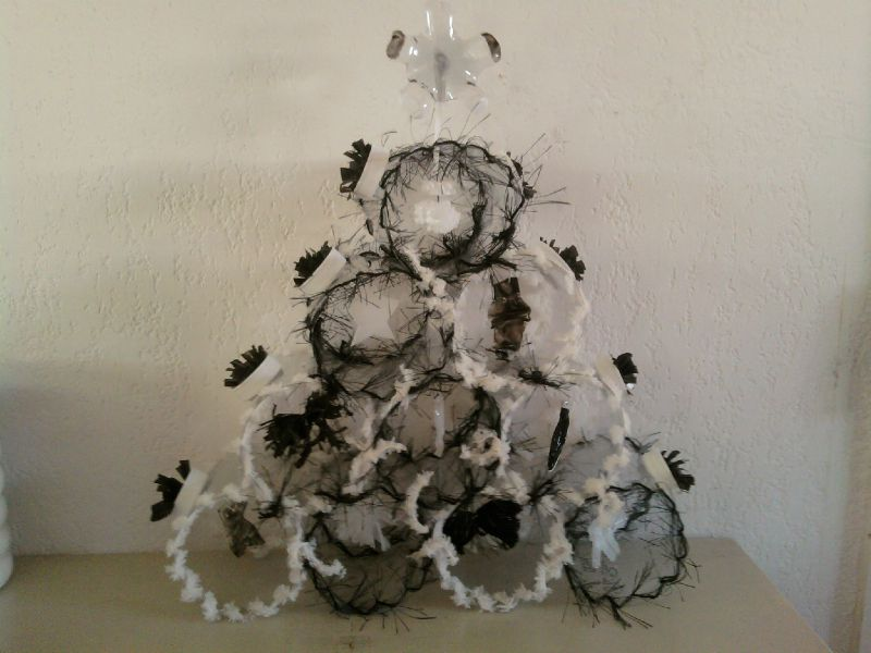 sapin de no l noir et blanc photo de d co de no l p 39 ti bou d 39 art