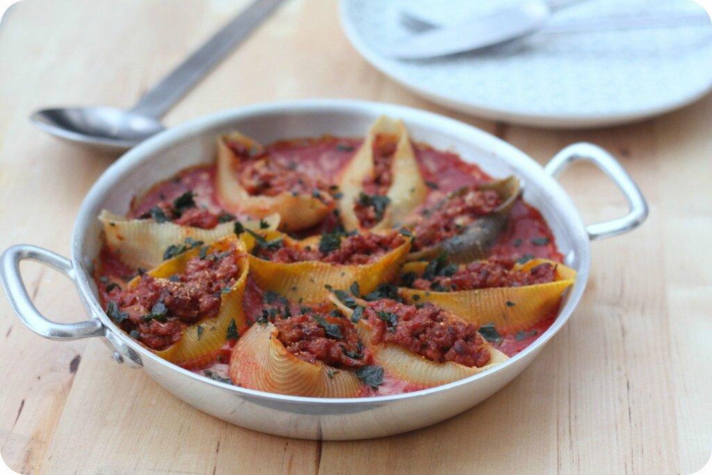Conchiglioni au veau et à la sauce tomate