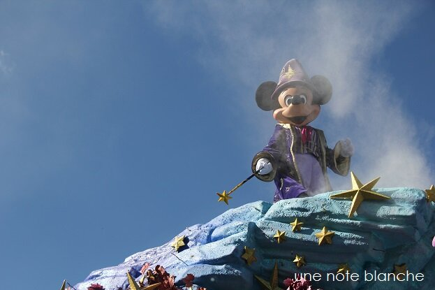 disneyland_paris_parade_mickey