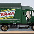 Altaya Corgi 15 B Dennis Delivery Van Knorr vert 03