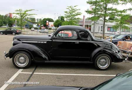 Chrysler royale coupé de 1938 (Rencard Burger King juin 2012) 02