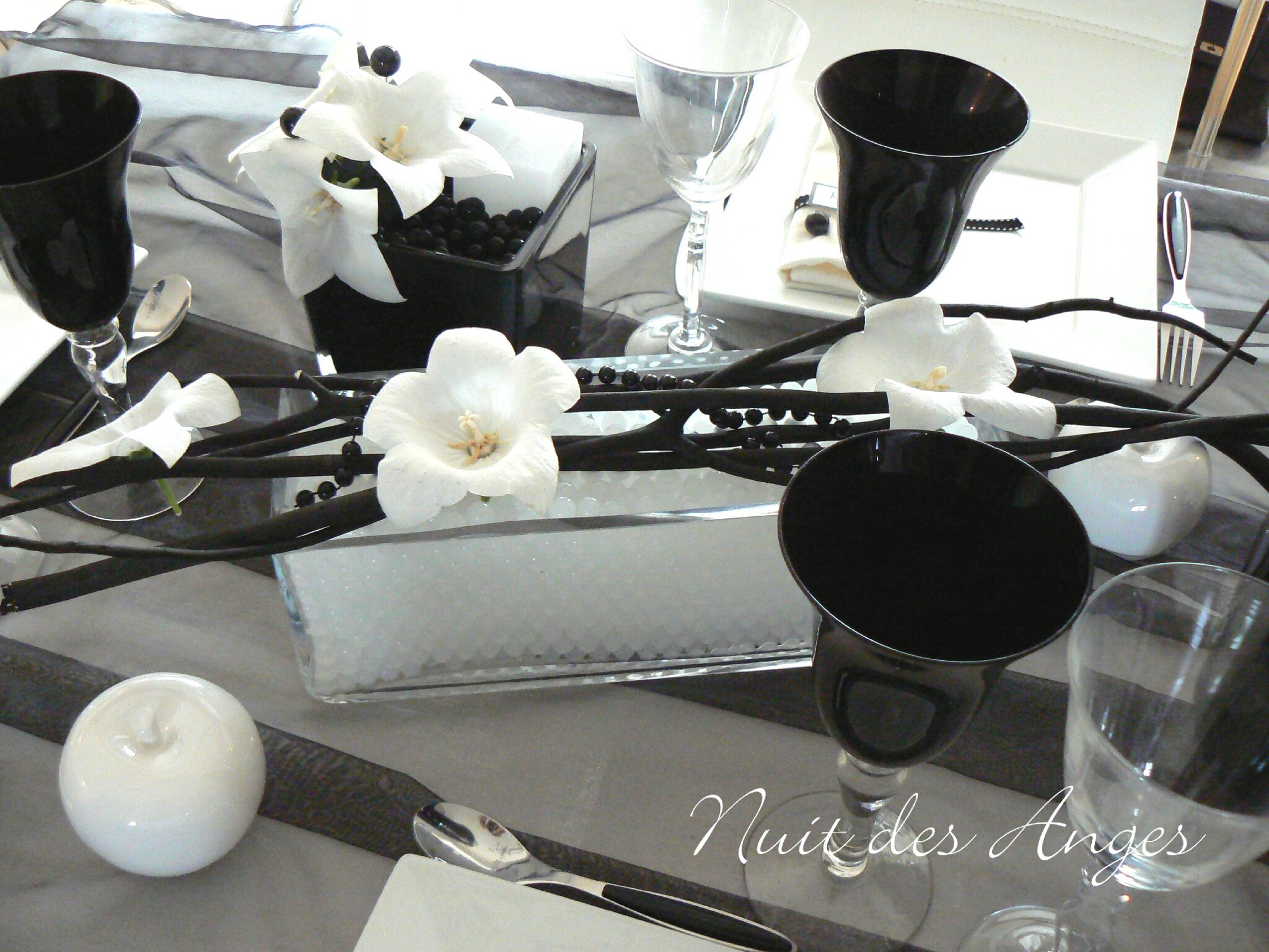 nuit des anges d coratrice de mariage d coration de table noir et blanc 009 photo de. Black Bedroom Furniture Sets. Home Design Ideas