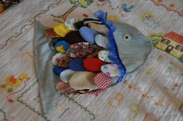 Les petits poissons dans l'eau 008