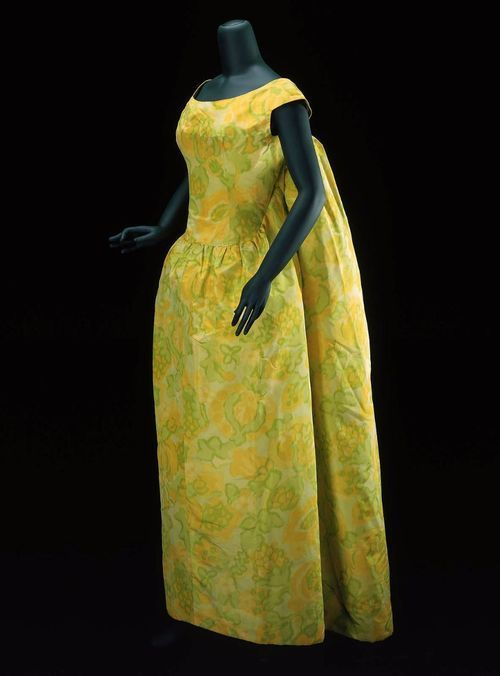 Dress, Cristobal Balenciaga, 1961.The Museum of Fine Arts, Boston