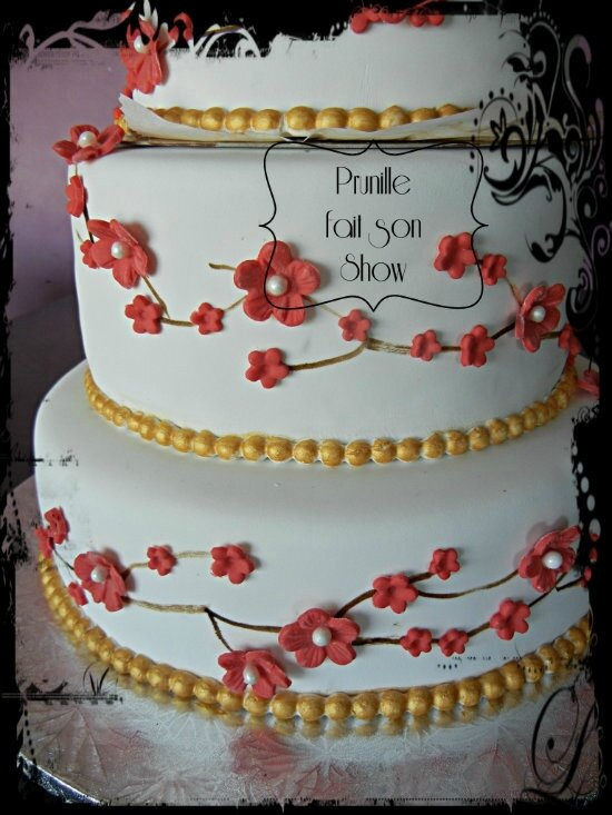 gateau mariage fleurs rouge et or prunillefee 3