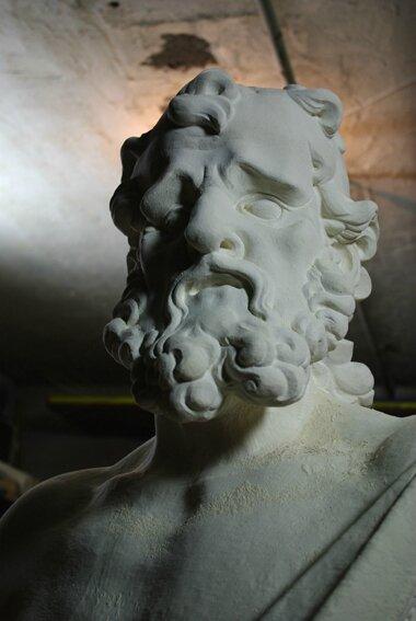 Fu- sculpteur - Indre et Loire - région centre - Tours - 37 - buste - portrait - pierre - copie - homme barbu