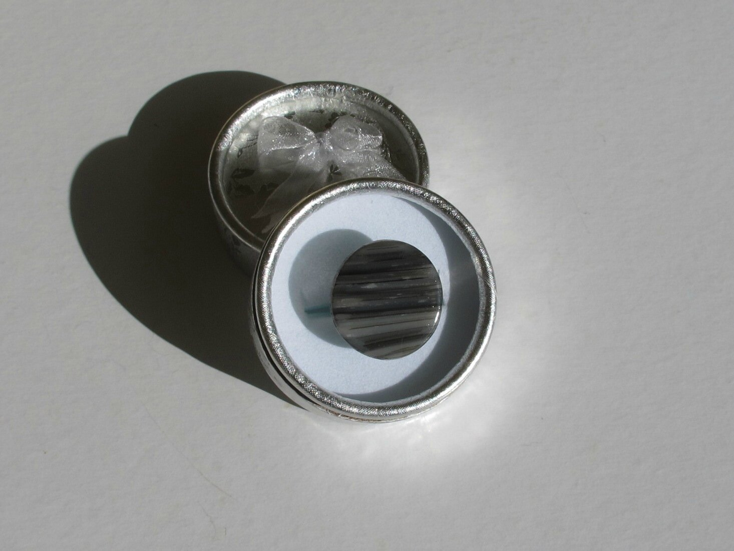 bague fimo ronde transparente grise boite