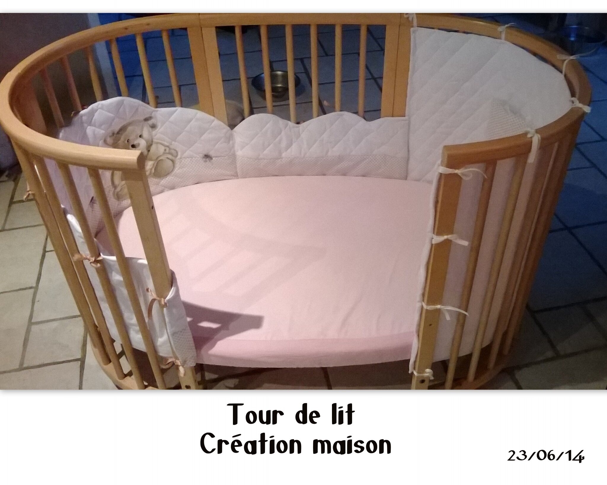 tour de lit stokke cr ation maison chemin de famille 3. Black Bedroom Furniture Sets. Home Design Ideas