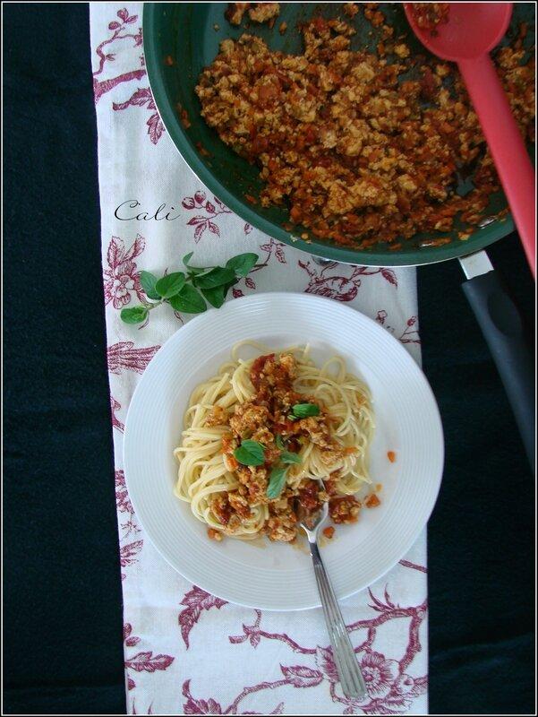 Bolognaise au Tofu & à la Marjolaine 001