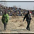 En-Afrique-du-Sud-la-police-reprime-dans-le-sang-une-greve-de-mineurs_article_popin