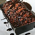 Cake au chocolat, pépites de chocolat et nappage chocolat... tout choco !